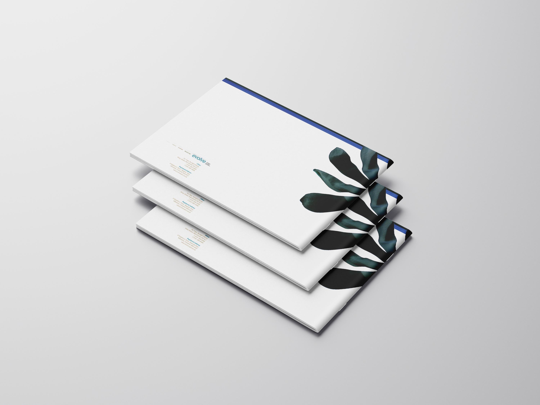 Free_Landscape_Brochure_Mockup_04